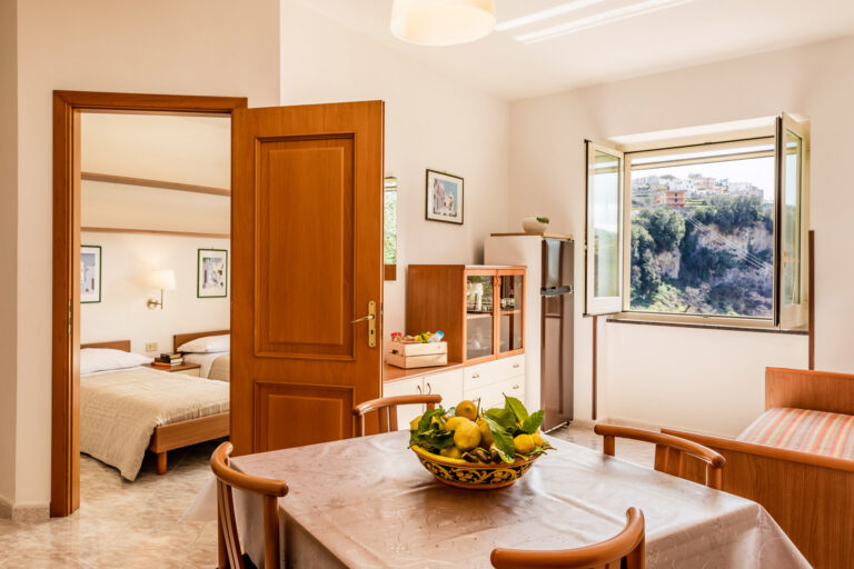 Executive Holiday Apartment in Scala